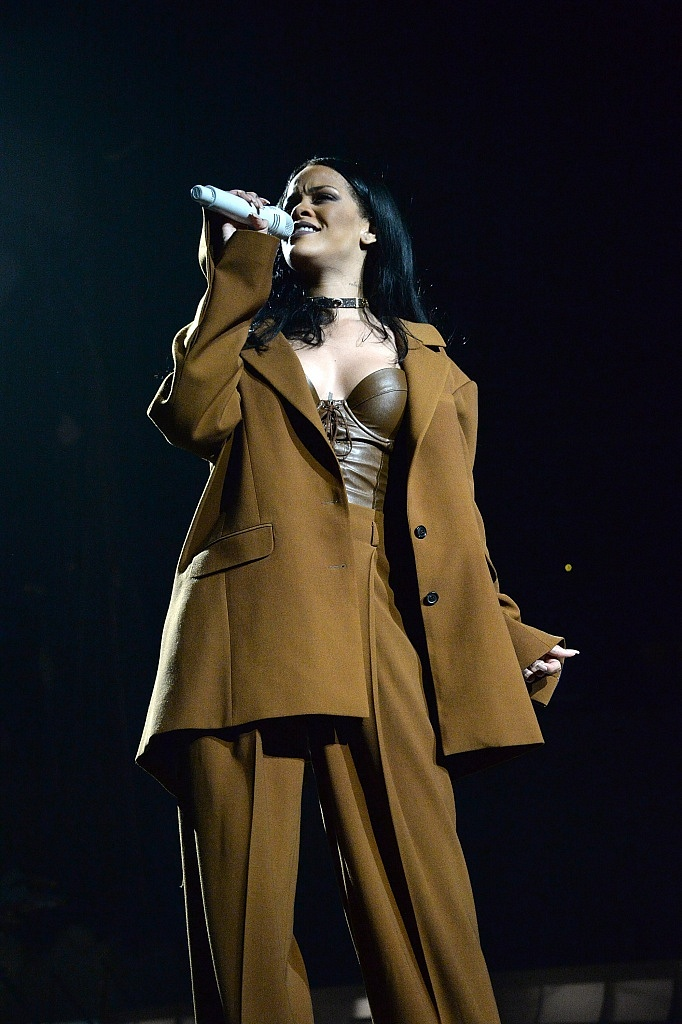"""NEW YORK, NY - MARCH 27: (Exclusive Coverage) Rihanna performs during her """"Anti World Tour"""" at Barclays Center of Brooklyn on March 27, 2016 in New York City. (Photo by Kevin Mazur/Getty Images for Fenty Corp) *** Local Caption *** Rihanna; Robyn Fenty"""